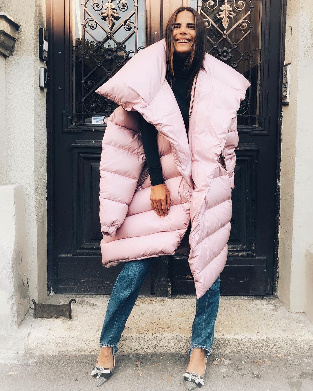 Naša prezgodna manekenka pokazala hrabar zimski outfit i jaknu kakvu nikad nismo vidjeli!