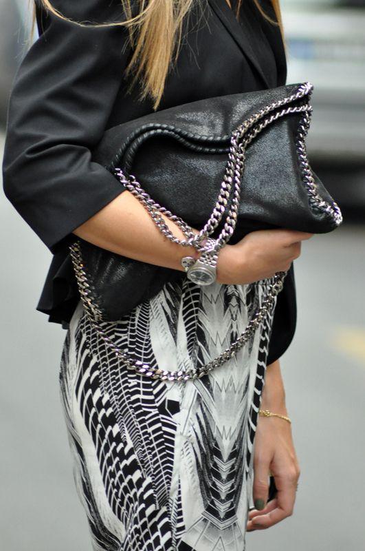 High street trgovina prekopirala poznatu torbicu Stelle McCartney. Koja izgleda bolje?