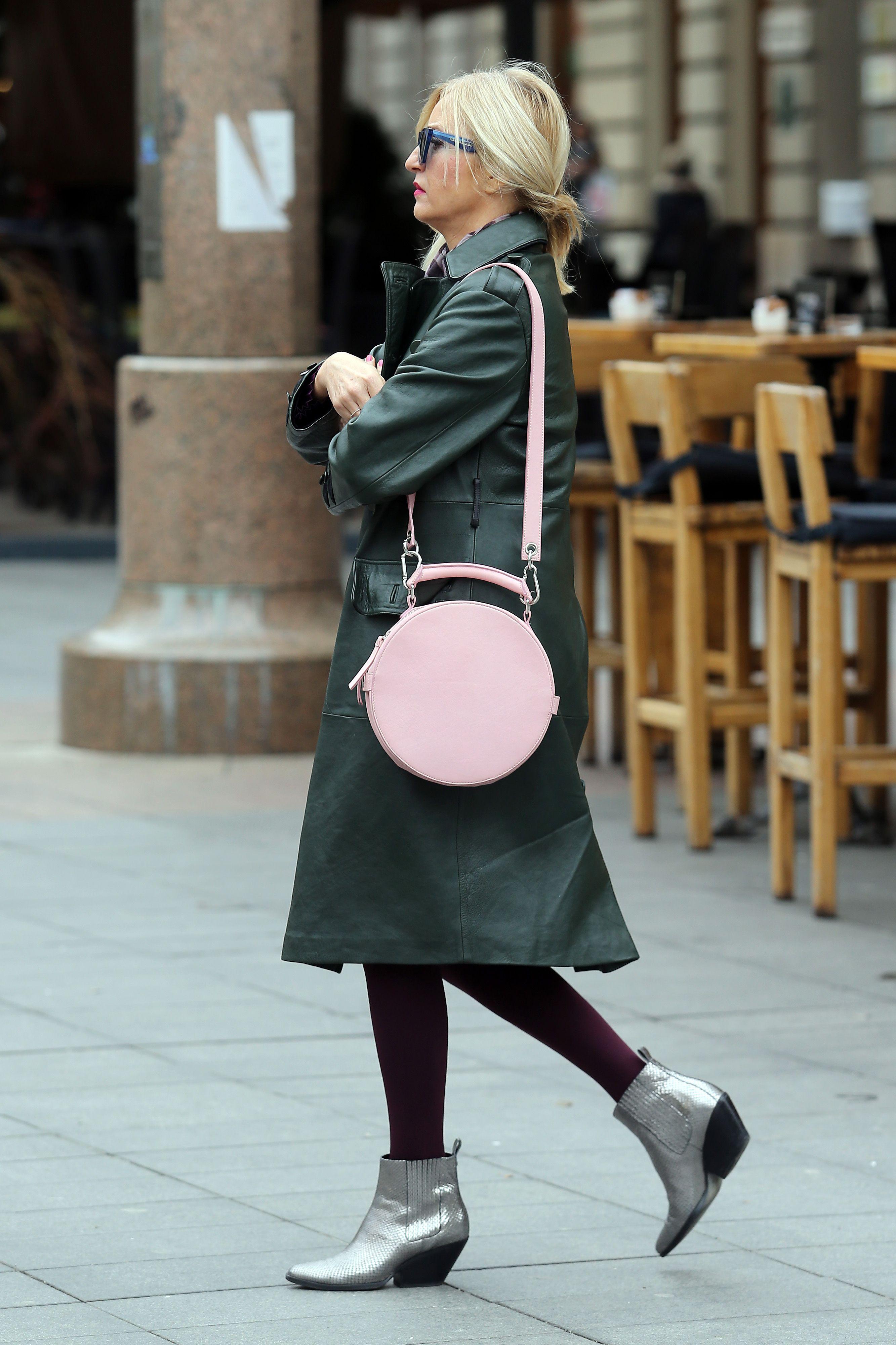 Dama sa špice pokazala koje čizme trendseterice obožavaju, ali i precool torbu!