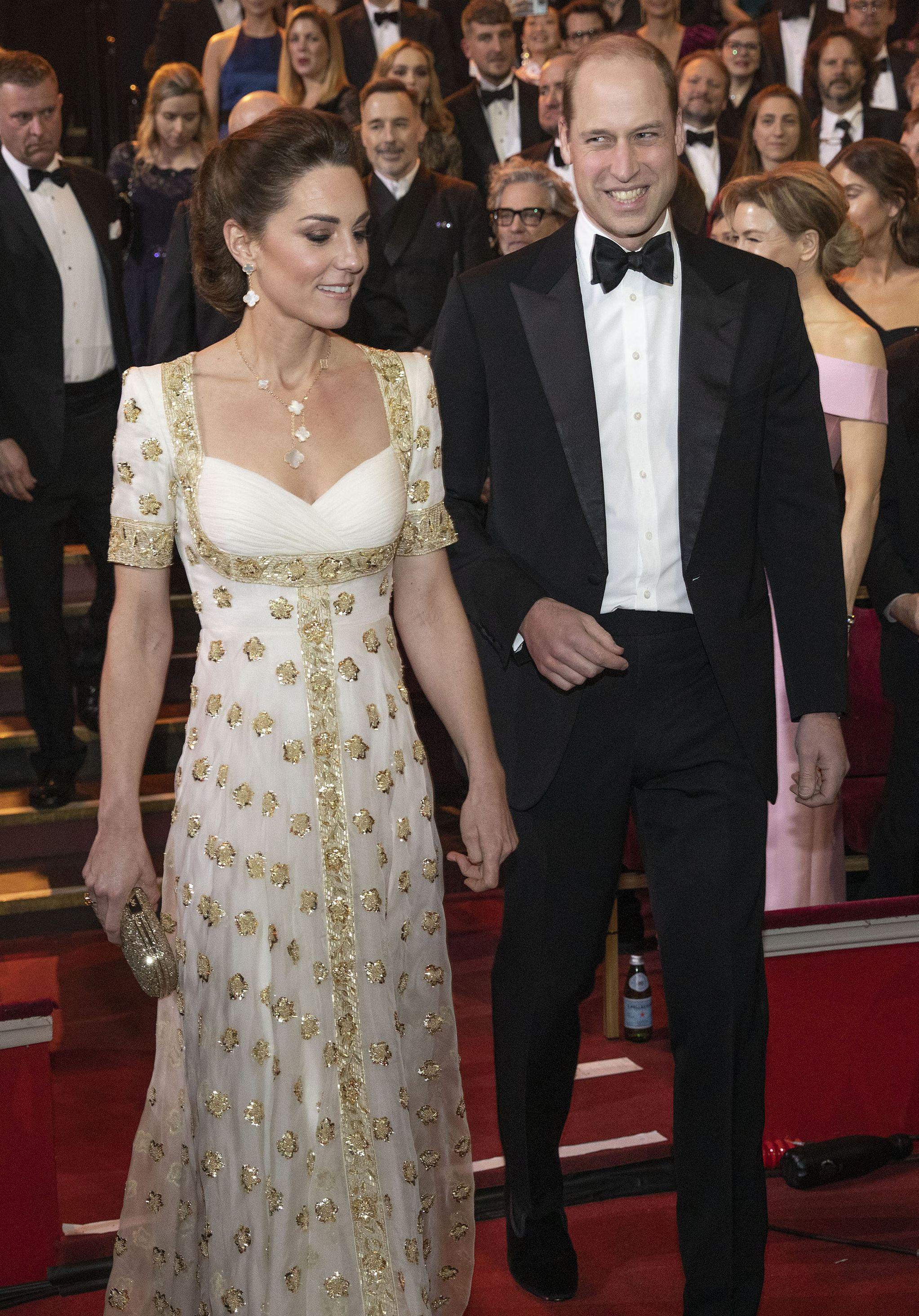 """Kate u središtu pozornosti: Odabrala divnu haljinu i prekršila modno """"pravilo"""" kojeg se mnogi pridržavaju"""