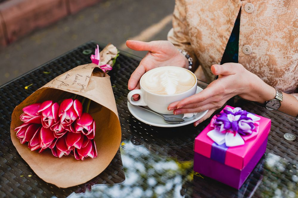 Danas je Svjetski dan kave: Što kava koju pijete govori o vašem modnom stilu?