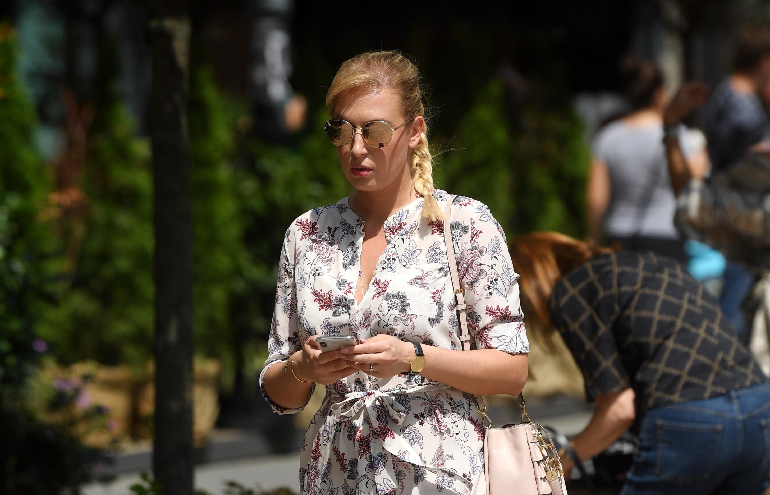 Kad vidite ovu djevojku u špagericama i ljetnoj haljini, poželjet ćete ih u svom ormaru