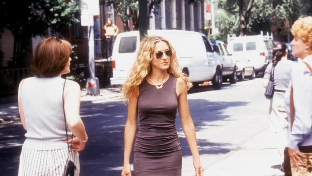Danas je 20. godišnjica Seksa i grada: Kopirajte poznate lookove Carrie Bradshaw