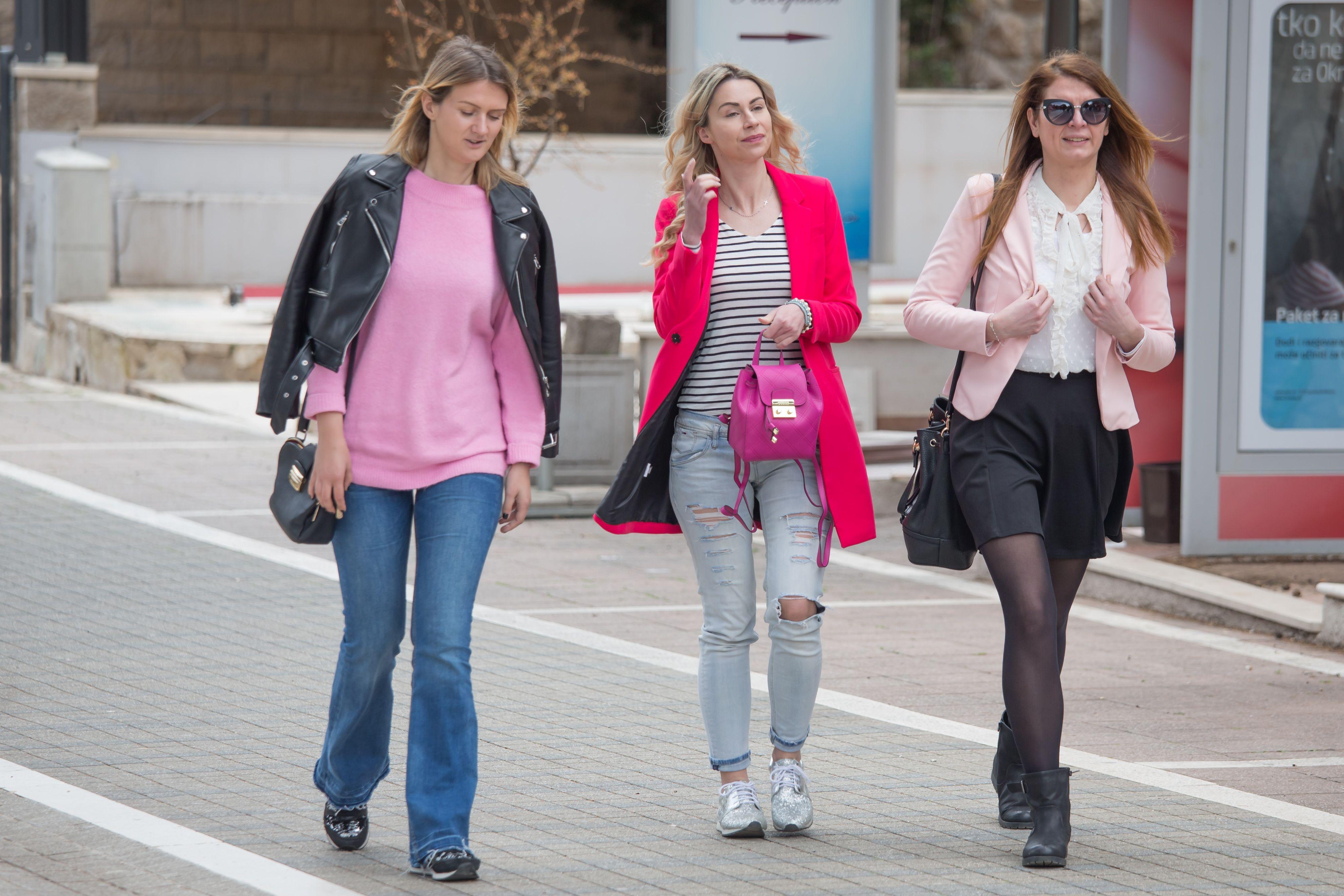 Ove cool Dubrovčanke znaju da je ružičasta - boja sezone!