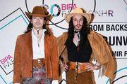 Kaubojski komadi i čizme sa ženskog odjela: Domaći modni dvojac pokazao najotkačenije outfite