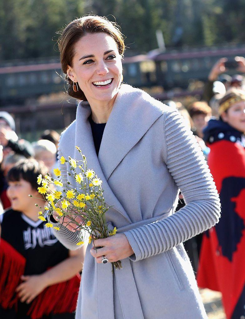 Ovo je 12 najupečatljivijih trudničkih izdanja Kate Middleton