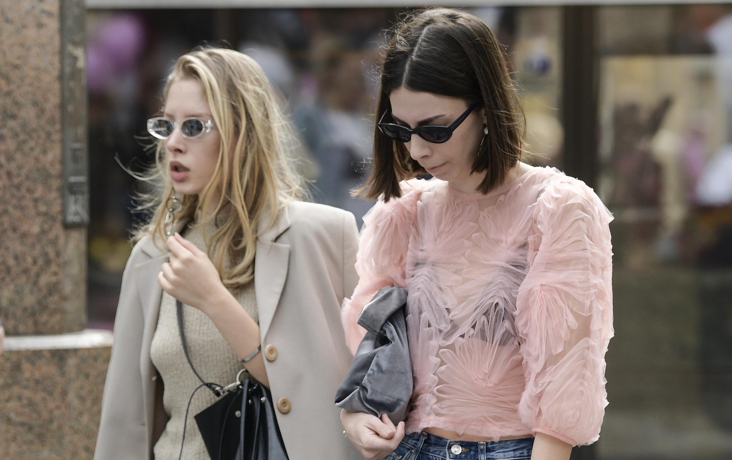 Ove dvije prijateljice okupile su sve modne trendove na jedno mjesto