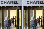 Poskupljuju kultne Chanel torbe; ljudi strpljivo čekaju u redu kako bi kupili svoj primjerak