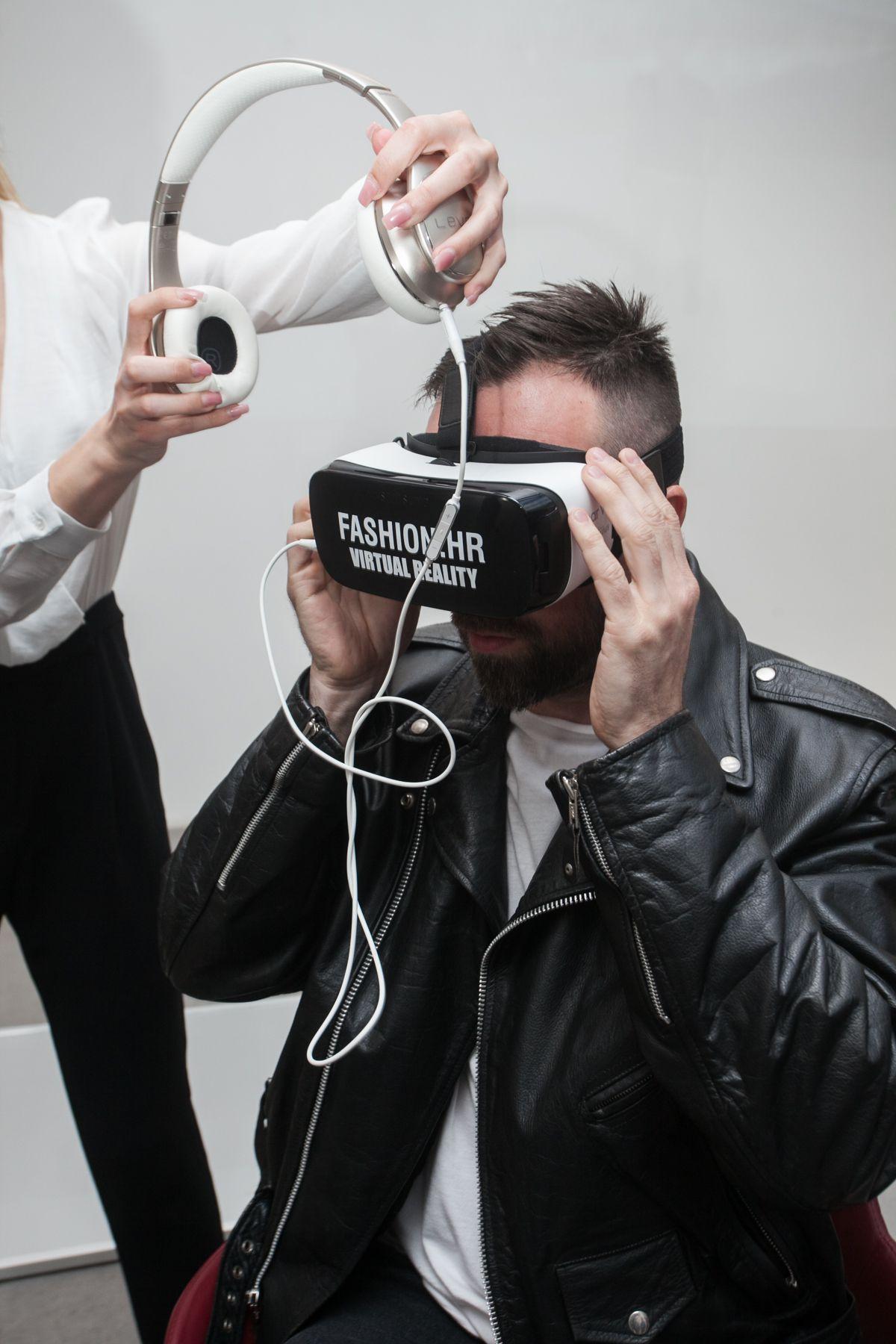 Modna revija u virtualnoj stvarnosti