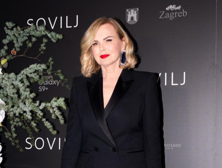 Jadranka Sloković prava je ikona stila, a pokazala je i što baš svaka žena treba imati u ormaru!
