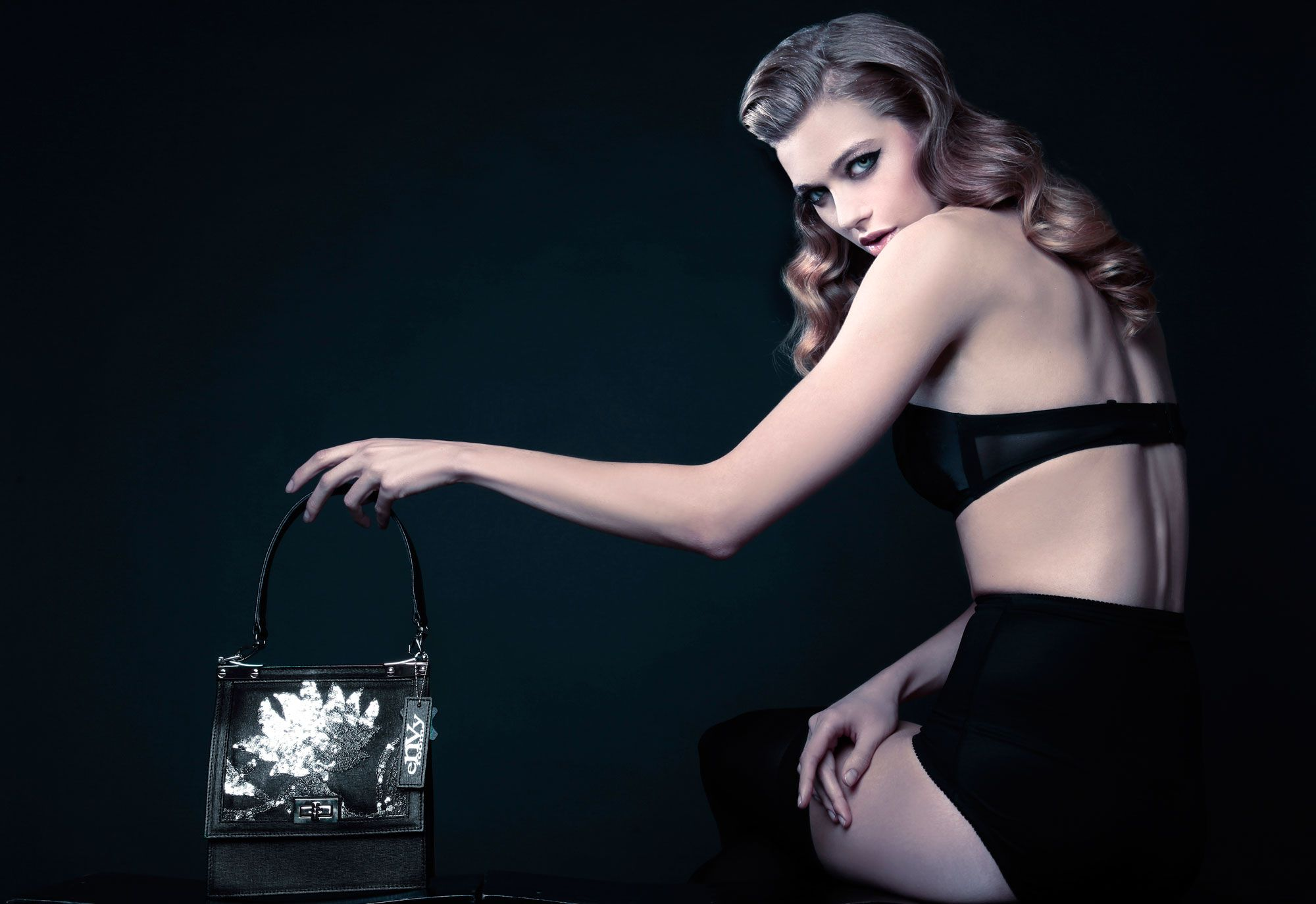 Damske torbe bezvremenske elegancije novitet su kuće eNVy room