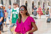 Efektne ljetne hlače, baš kao ove kakve nosi djevojka iz Dubrovnika, sve su što vam treba!