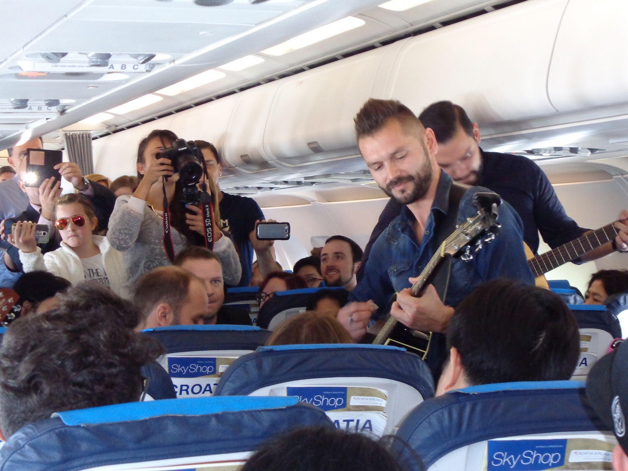 Tango u zrakoplovu Croatia Airplanesa