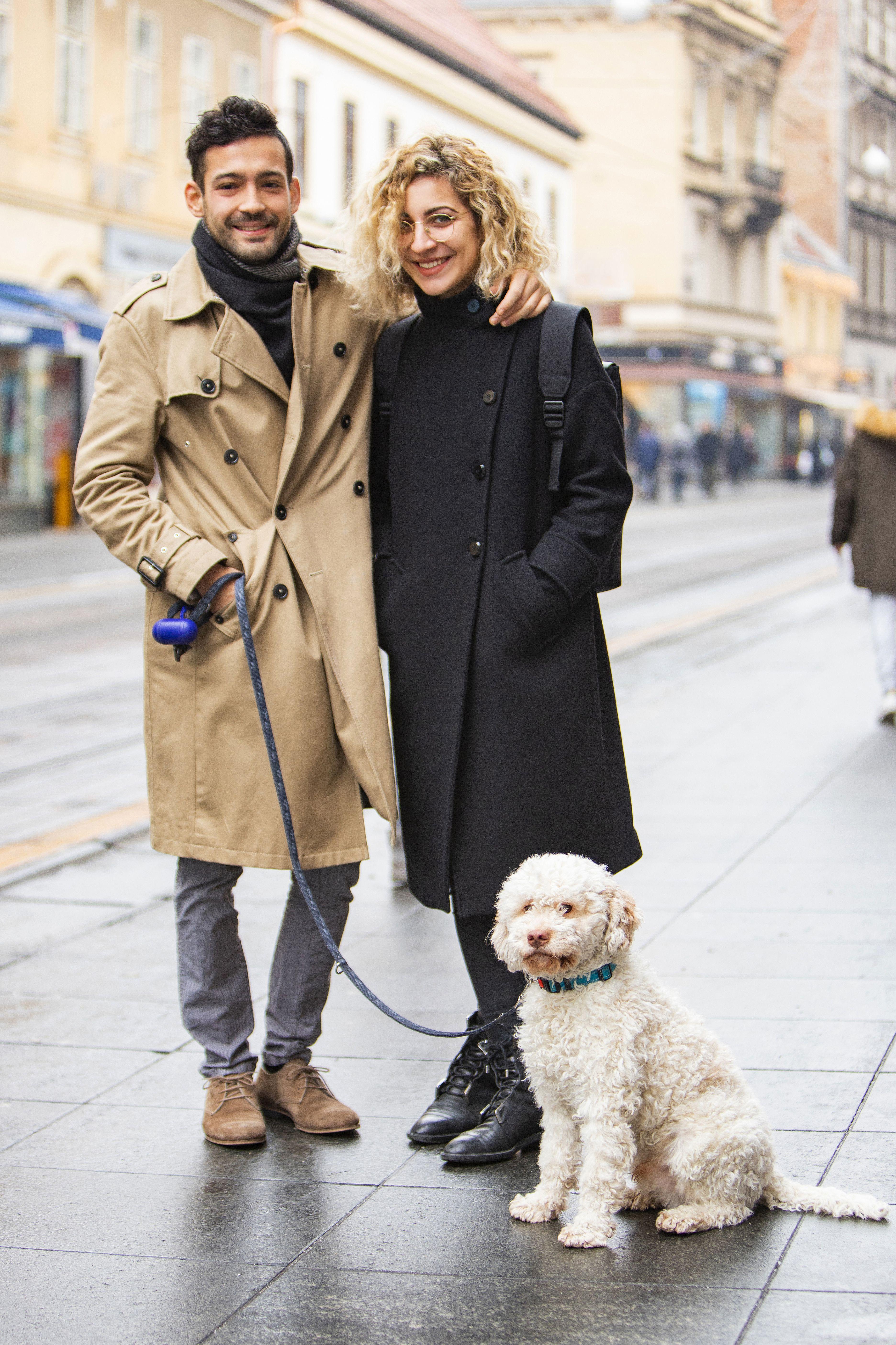 Ovaj par u Zari od glave do pete izgleda odlično, a tek kad im vidite psića...