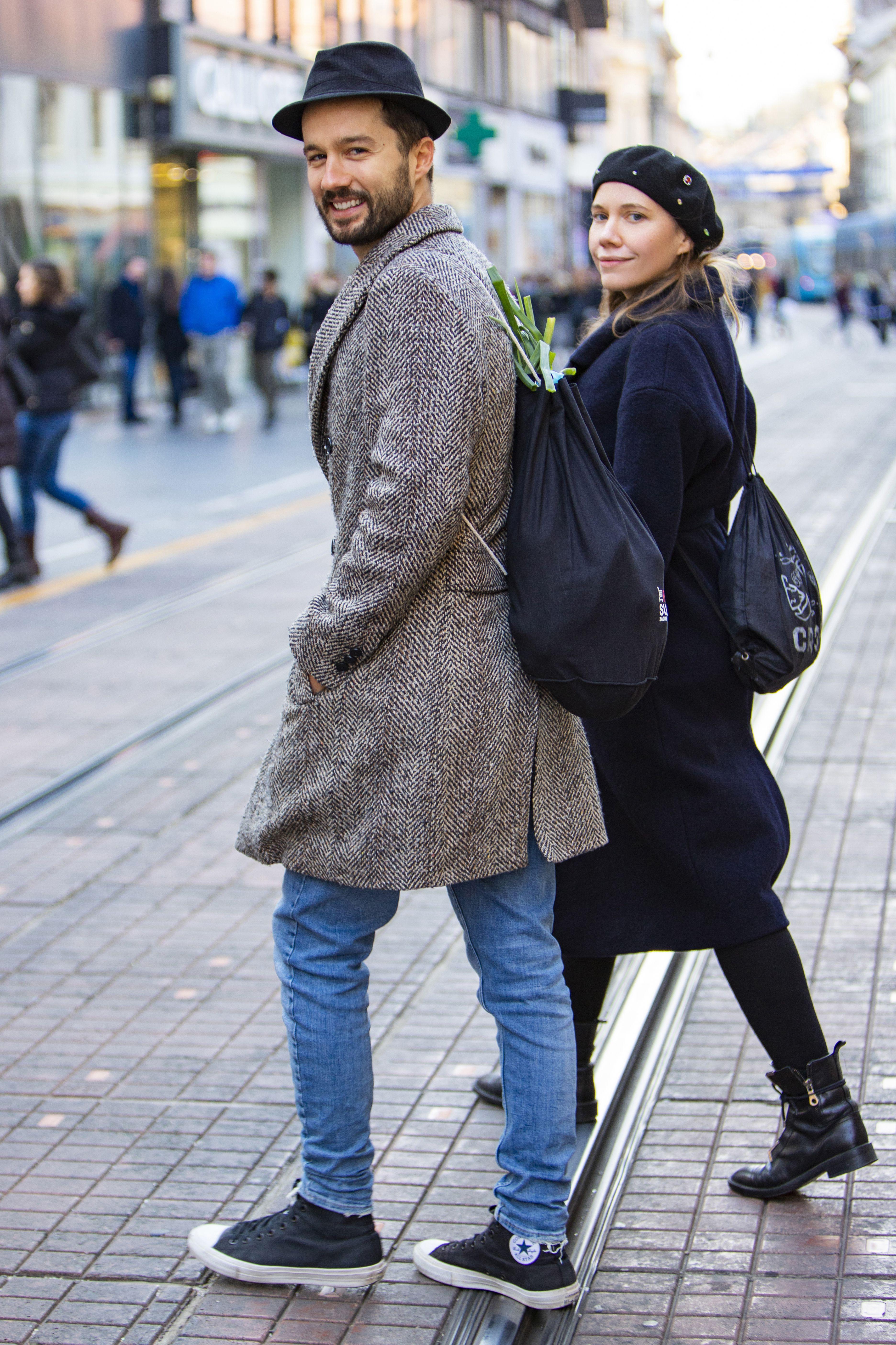 """Njih dvoje su baš zgodan par: On u Zari od glave do pete, a ona kaže kako u """"ništa više ne stane"""""""