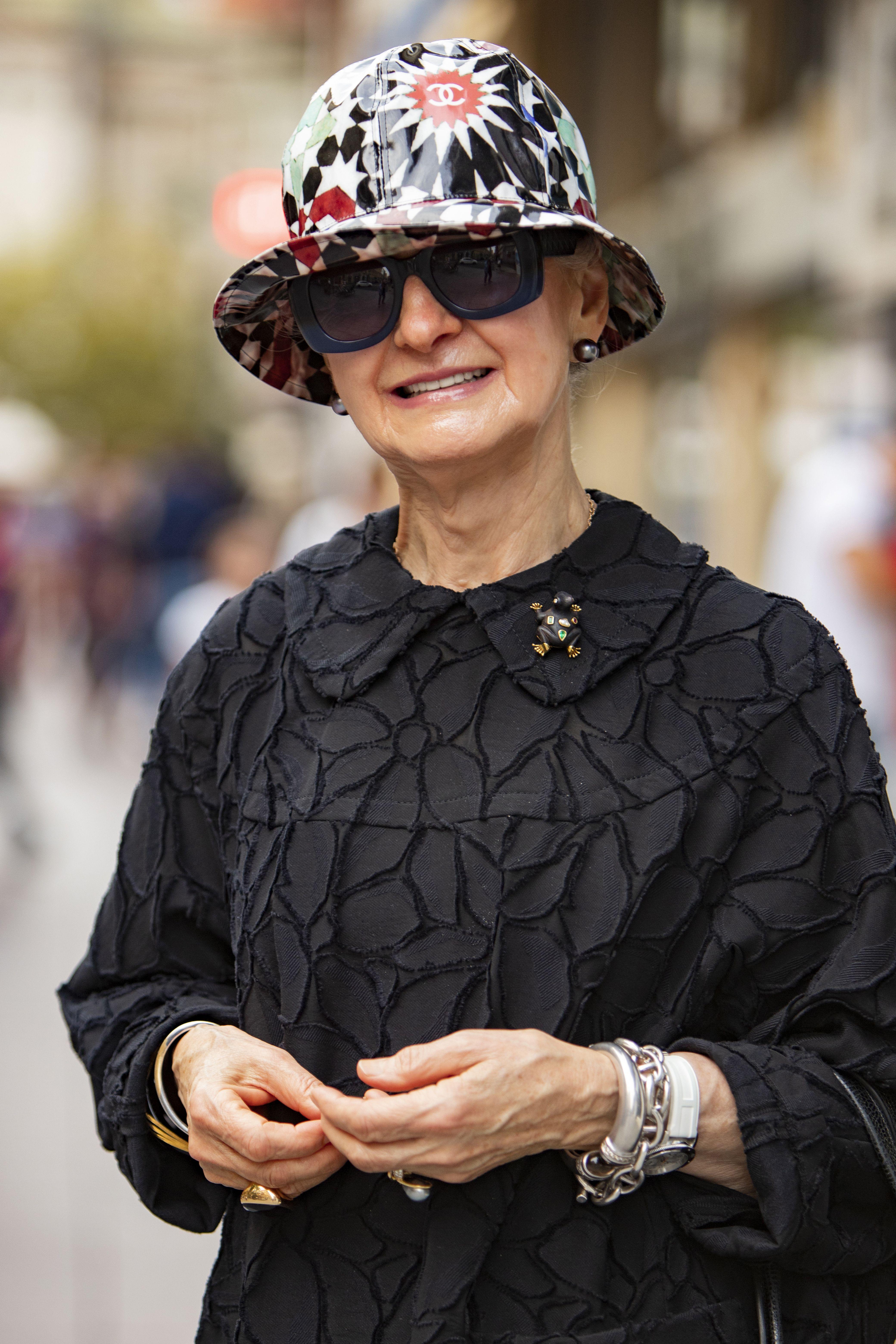 Ova umirovljenica i dizajnerica nakita dama je čiji stil obožavamo!