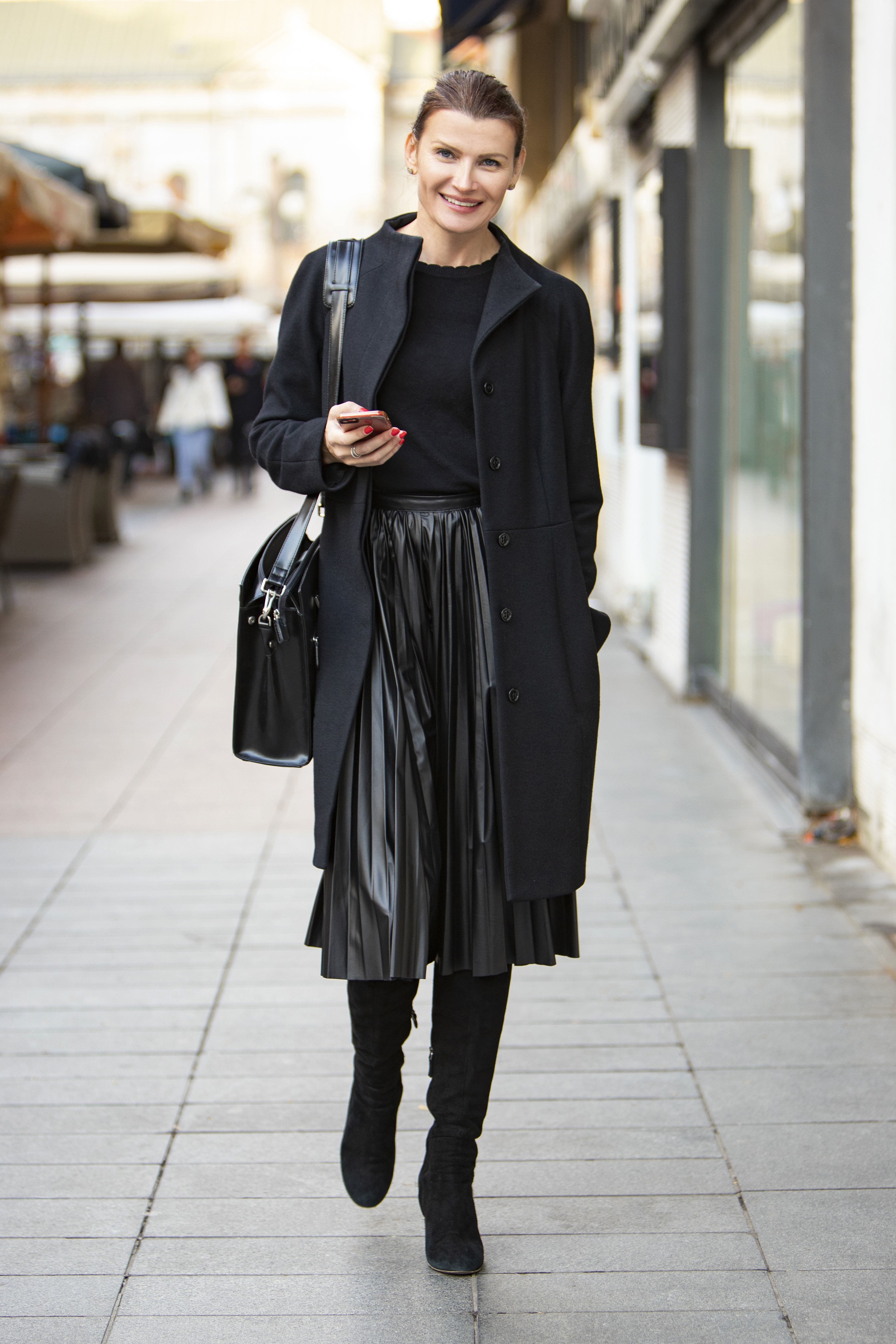 Modno osviještena saborska zastupnica briljirala je izvanrednim crnim stylingom