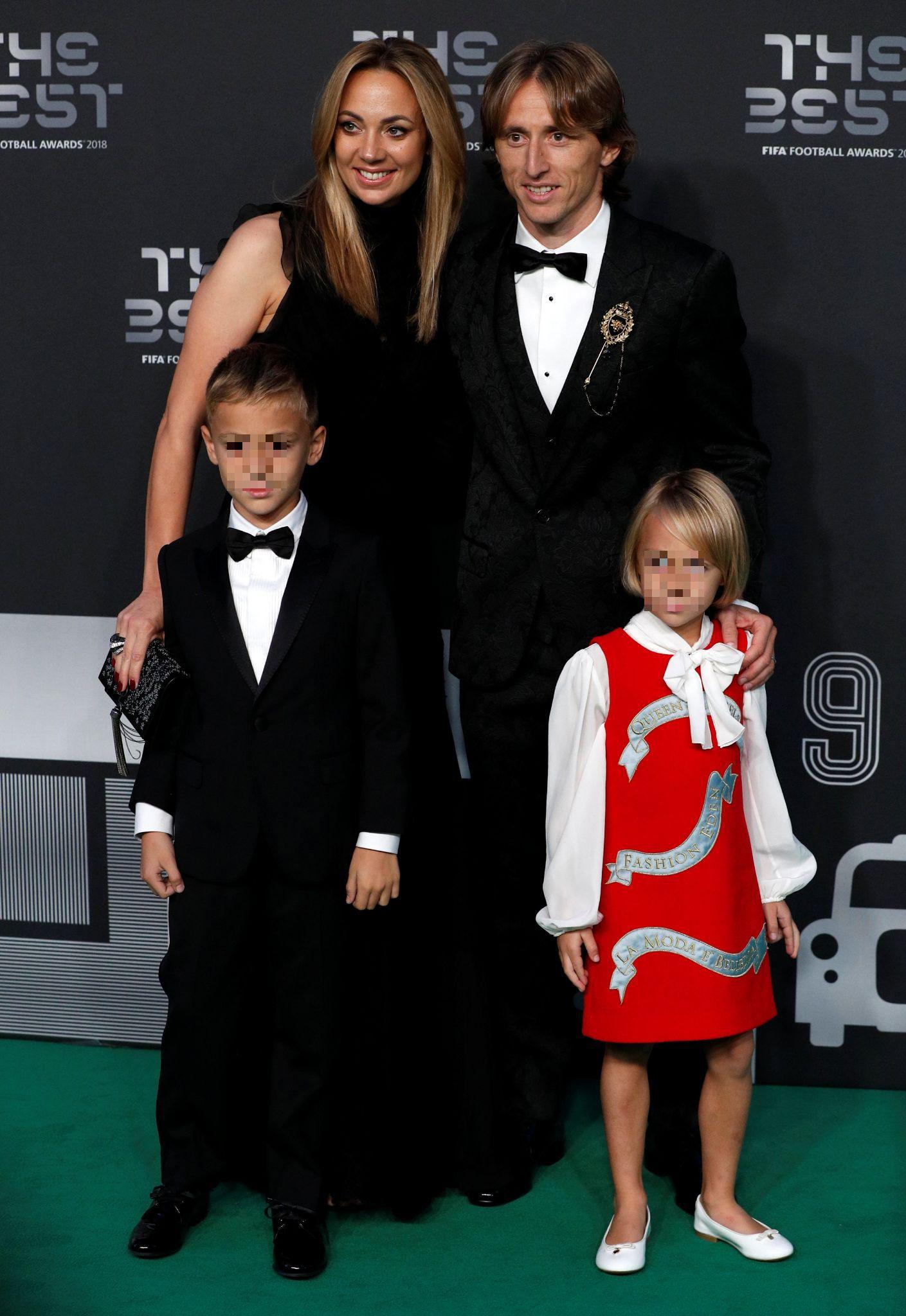 Luka je i outfitom zasjenio sve: On i draga blistali u dizajnerskom potpisu Dolce&Gabbane