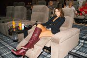 Branka Krstulović modno ne griješi: Zablistala u kratkim hlačicama i odličnim čizmama, a odabrala je i neobičnu torbicu