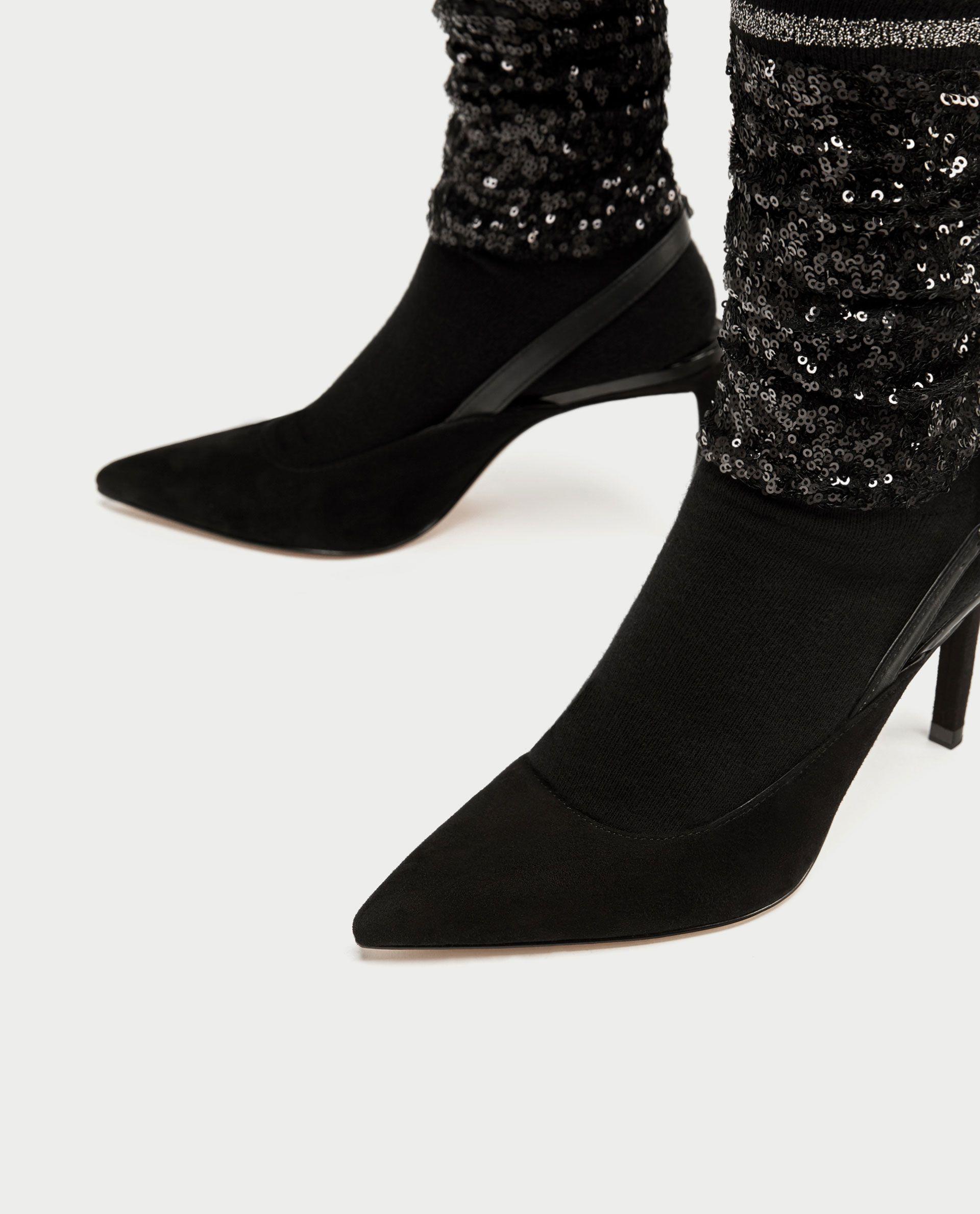 Čarape i cipele u jednom: ponovno u Zari!
