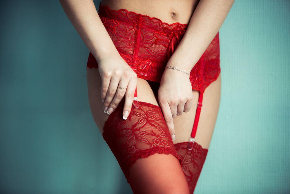 Crveno donje rublje za najluđu noć u godini: Divni komadi iz dućana