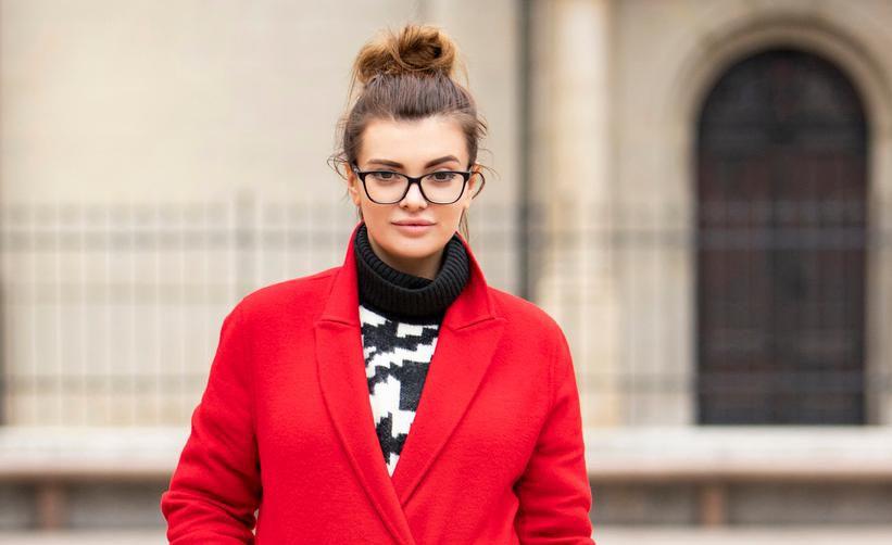 Ella Dvornik u crvenom kaputu i trendi čizmama: 'Volim crvenu boju! Kad uđeš u prostoriju, ljudi te odmah primijete'