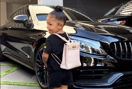 Kći Kylie Jenner za prvi dan škole nosi ruksak od 77 tisuća kuna, a to nije prva dizajnerska torba u kolekciji dvogodišnjakinje