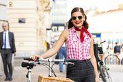 Ova dama sama si je sašila hlače, a obožava kupovinu na Hreliću i u vintage dućanima!