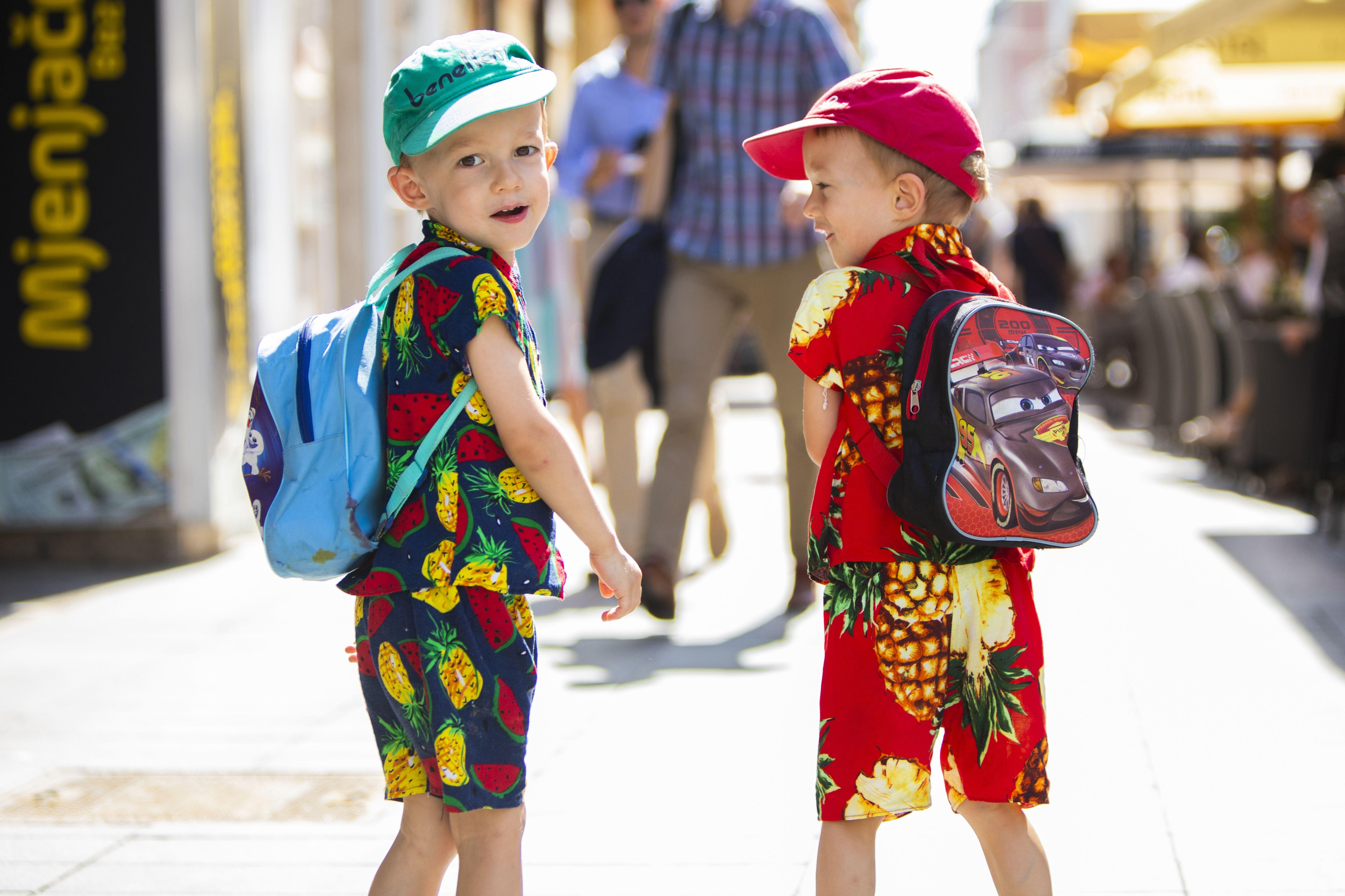 Najslađi prizor koji ćete vidjeti: Imaju tri i pol godine, a već sami biraju što će nositi