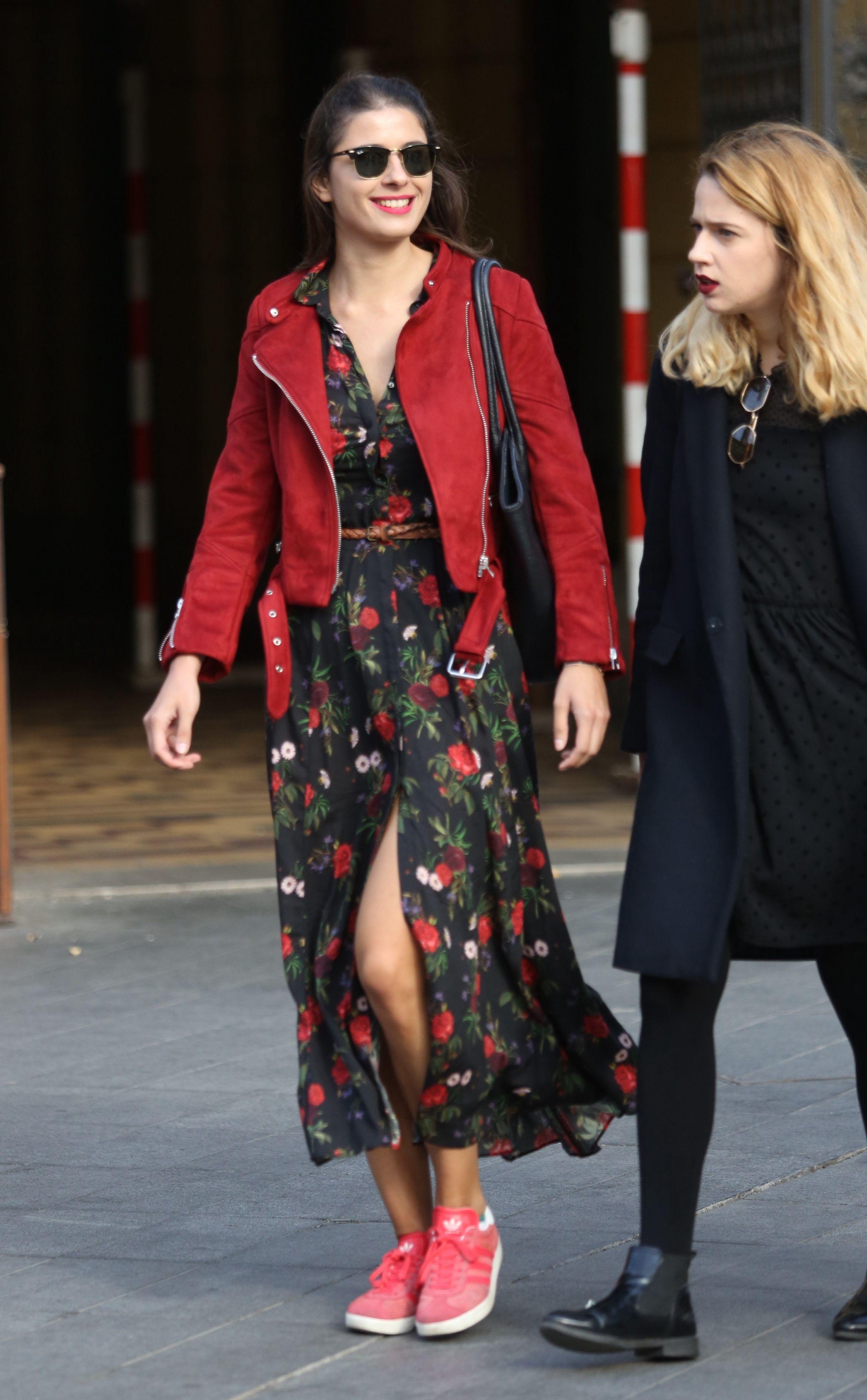 Zagrebački street style: Koja bolje nosi cvjetnu haljinu i kožnatu jaknu?