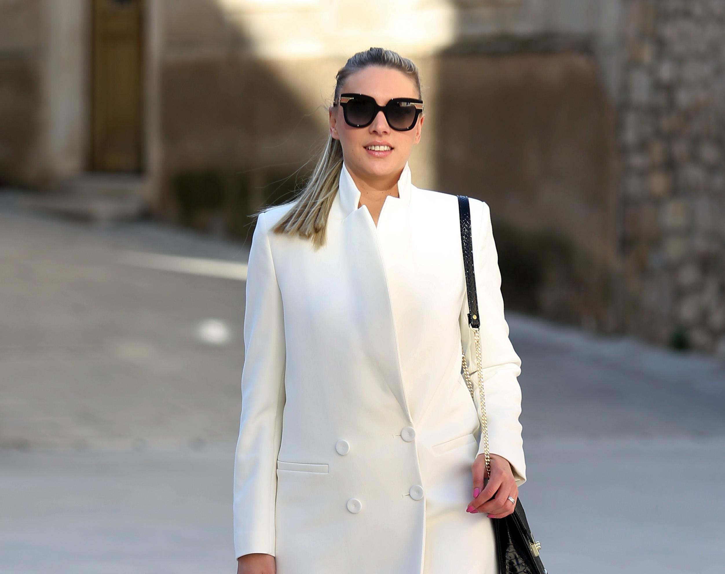 Gradska vijećnica iz Šibenika pokazala kako se nosi bijelo od glave do pete i izgleda fantastično