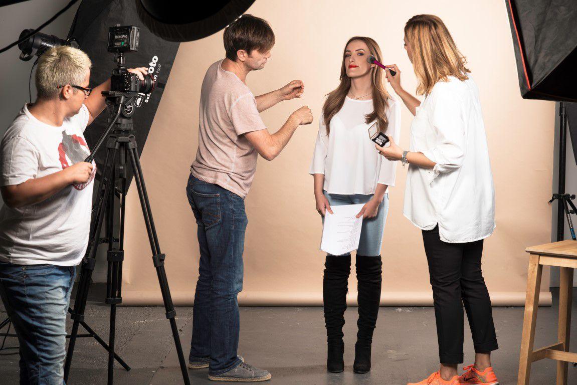 Bojana Gregorić Vejzović, Marijana Batinić, Ivana Mišerić, Ecija Ivušić, Marina Mamić i Vanesa Ćopić glavne akterice nove kampanje popularnog kozmetičkog brenda