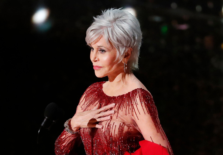 """Jane Fonda u """"recikliranoj"""" haljini i sa sijedom pixie frizurom poslala snažnu poruku!"""