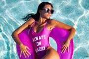 Naša najzgodnija navijačica plijeni pažnju u svojim kupaćim kostimima!