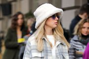 Ova stajliš djevojka u jednom je outfitu isfurala sve najveće trendove sezone; biste li ih nosili?
