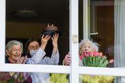 Baka Hilda proslavila 102. rođendan, a djelatnici maksimirskog Doma za starije priredili joj koncert