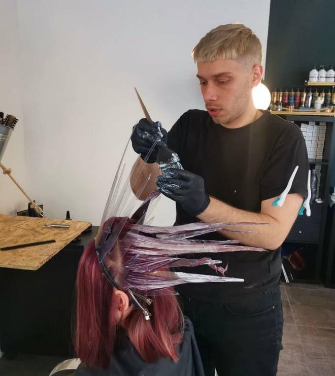 Kraljica u frizerskom salonu: Znate li kako funkcionira kruna za pramenove u kosi?