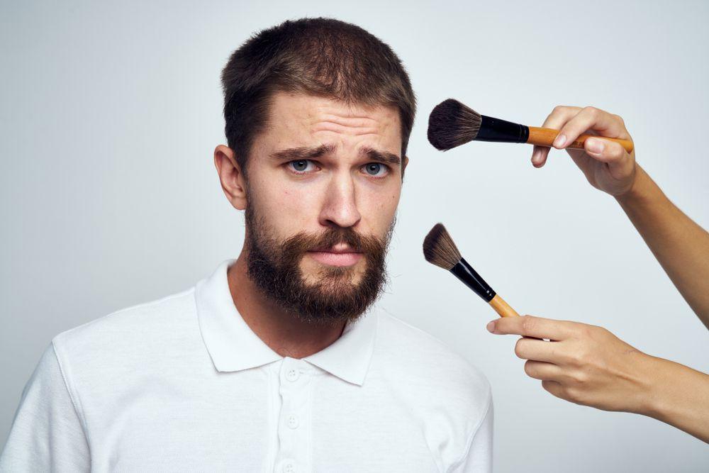 Istraživanja pokazala: Više od 30 posto muškaraca bi se rado šminkalo