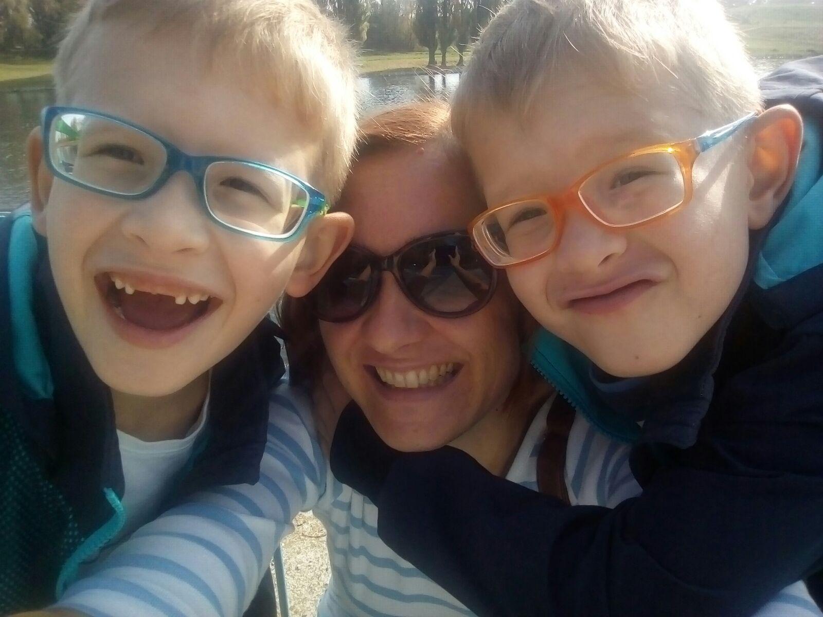 """""""Nije lako čuti da vam djeca imaju invaliditet, no dečki danas čitaju, pišu i zbrajaju, svi su ih odlično prihvatili"""""""