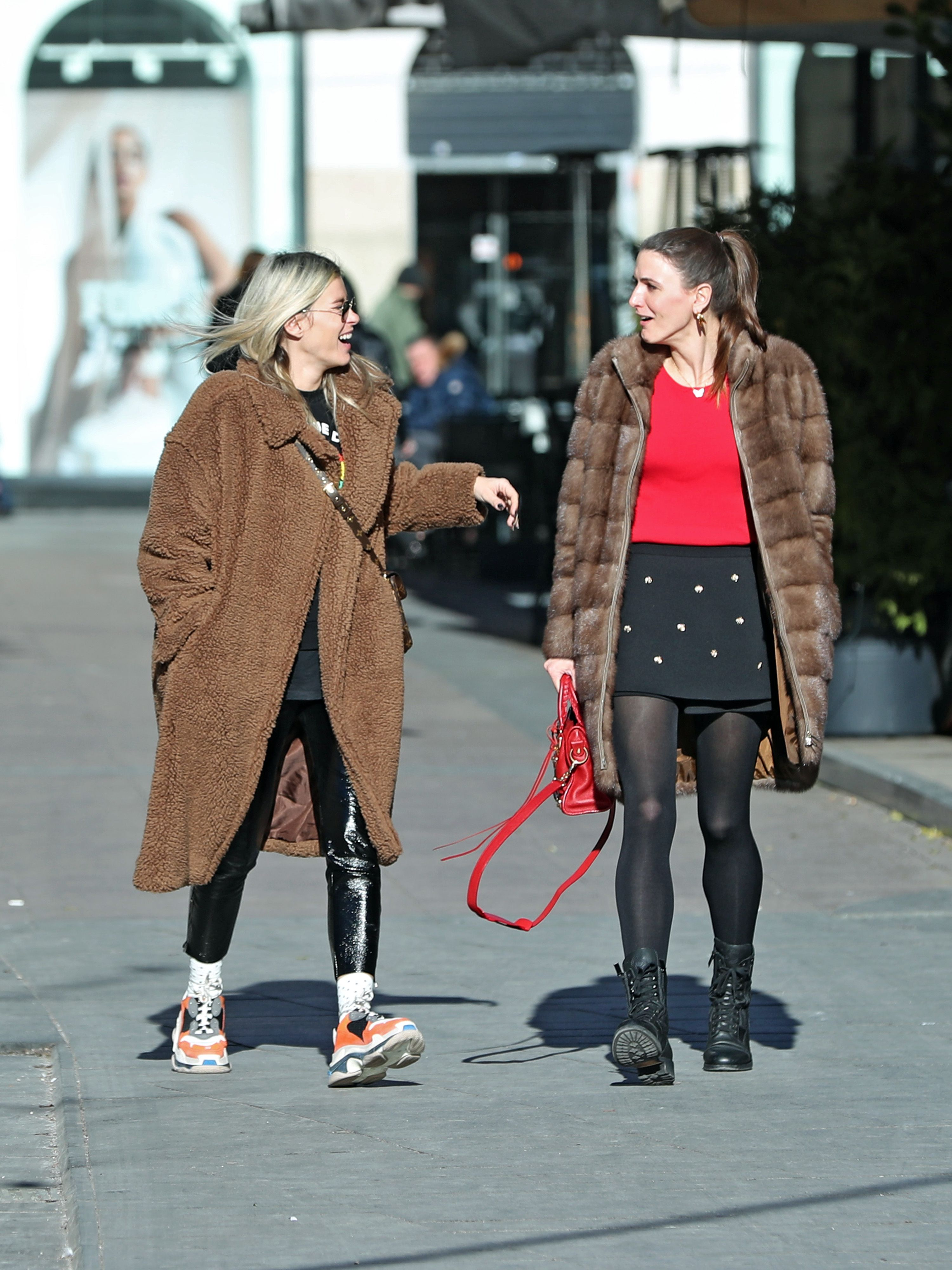 Baš su wow: Ove dvije frendice bile bi street style zvijezde i u europskim modnim metropolama!