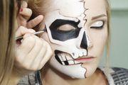 Ako večeras idete na Halloween party, uz ove će trikove vaš make up izdržati cijelu noć