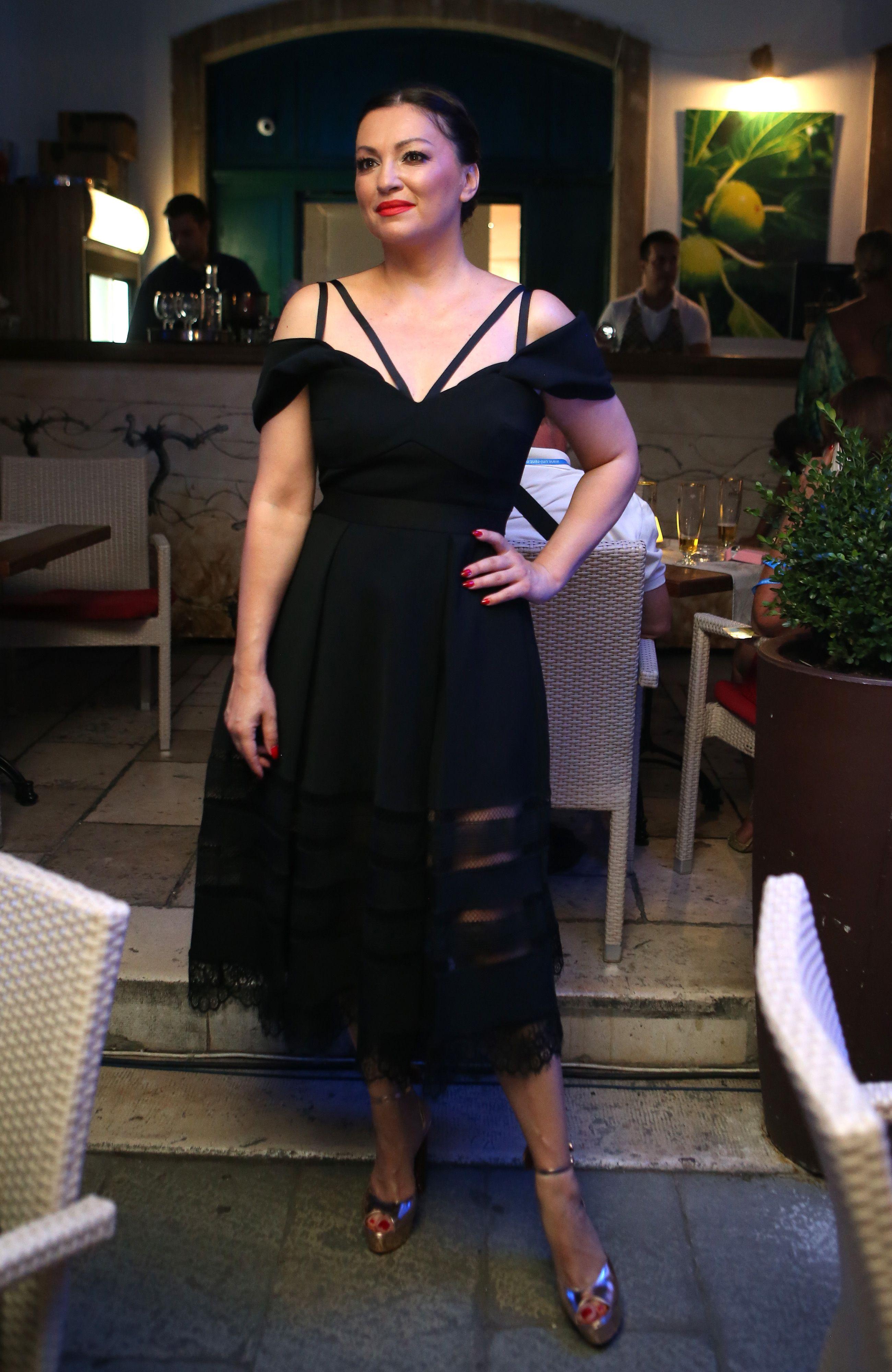 Kako je Nina Badrić izgledala prije 16 godina?