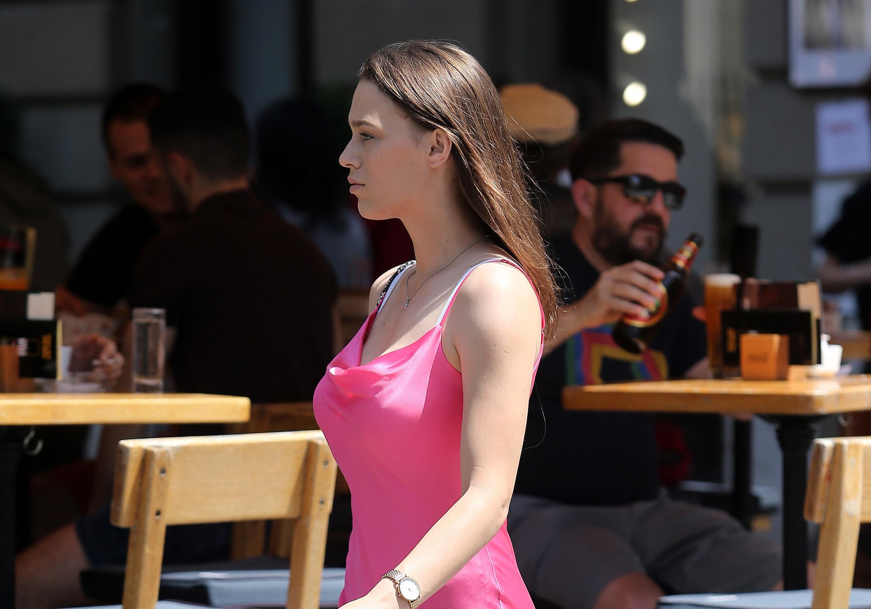 Prolaznica sa zagrebačke špice dokazala kako sve što treba za dobar stil je slip on haljinica