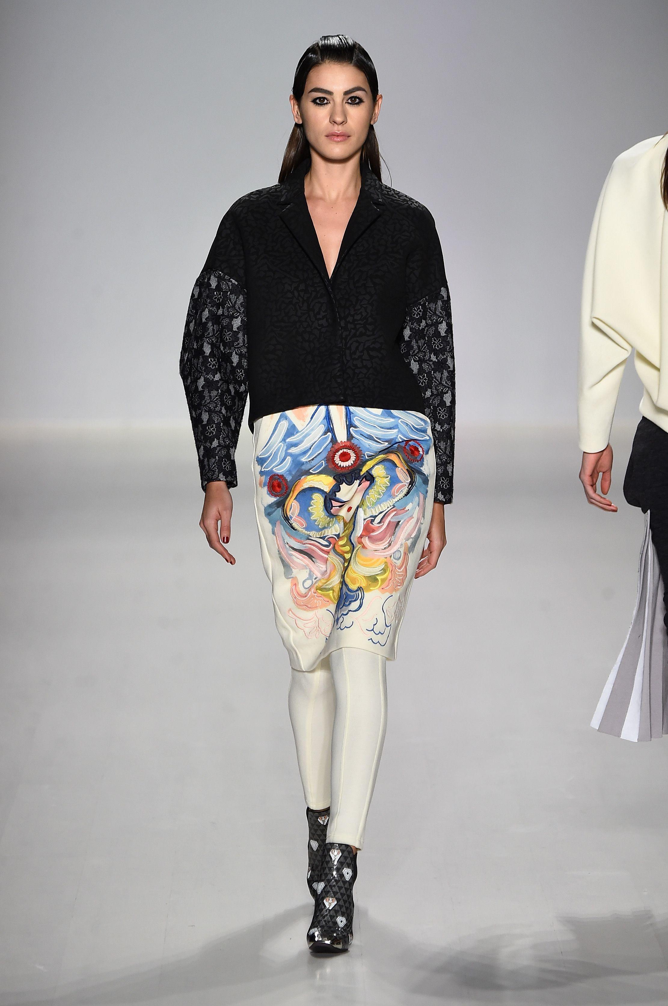 Suknja s crtežima