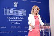 Milanka Opačić: Pogodila s bojom i dužinom, no pogriješila s odabirom materijala i cipelama