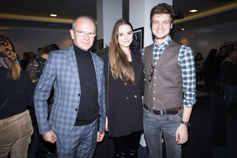 Dugo ga nismo vidjeli: Ivić Pašalić s kćeri se pojavio na eventu, a pritom nosio i jako trendi kombinaciju!