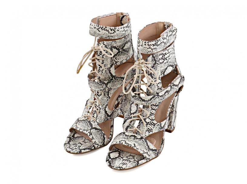 Kome u ormaru trebaju svjetleće štikle? Ove cipele sa zmijskim uzorkom svijetle u mraku!