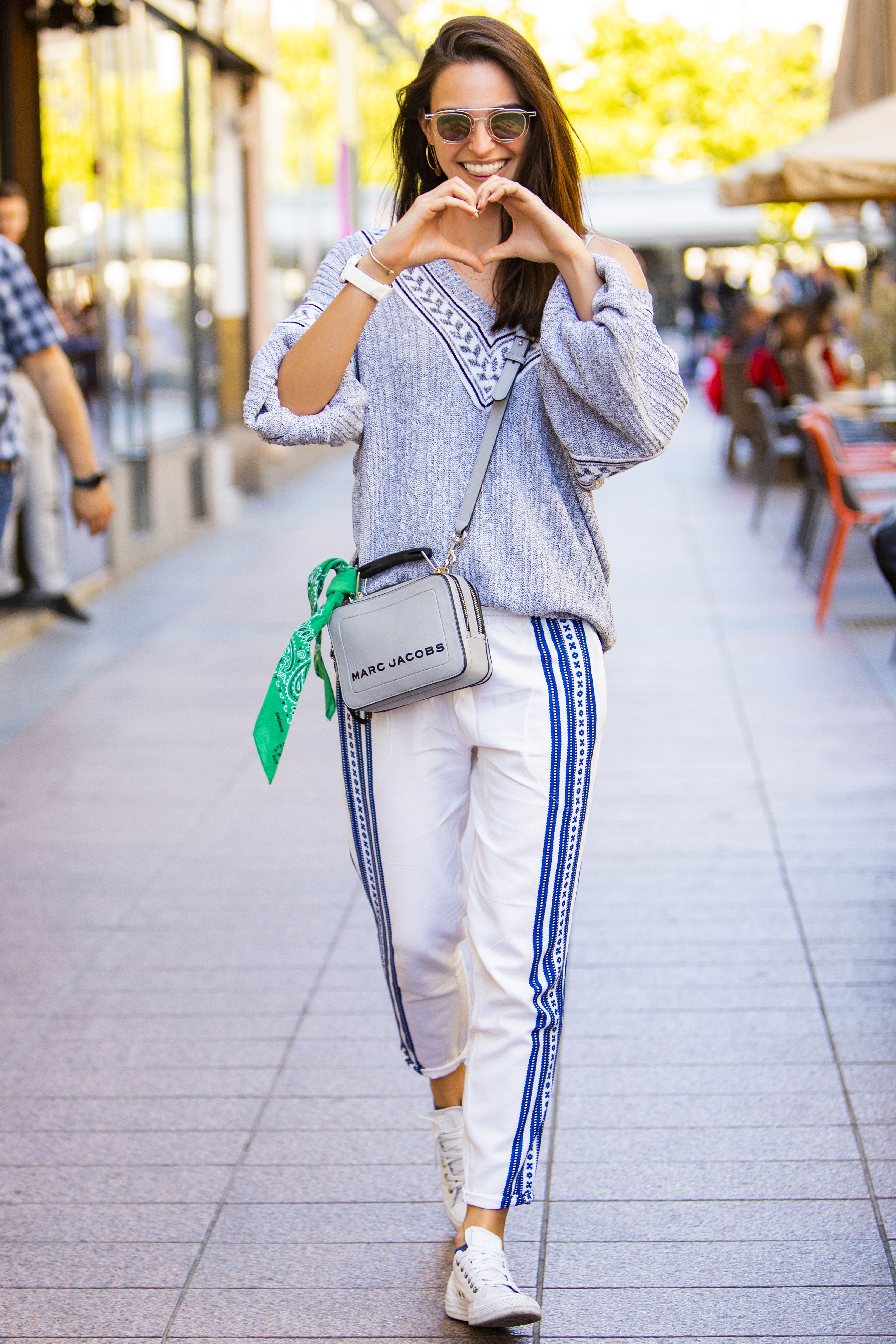 Lijepa studentica u stylingu s pričom: 'Nosim maminu majicu koja je starija od mene...'