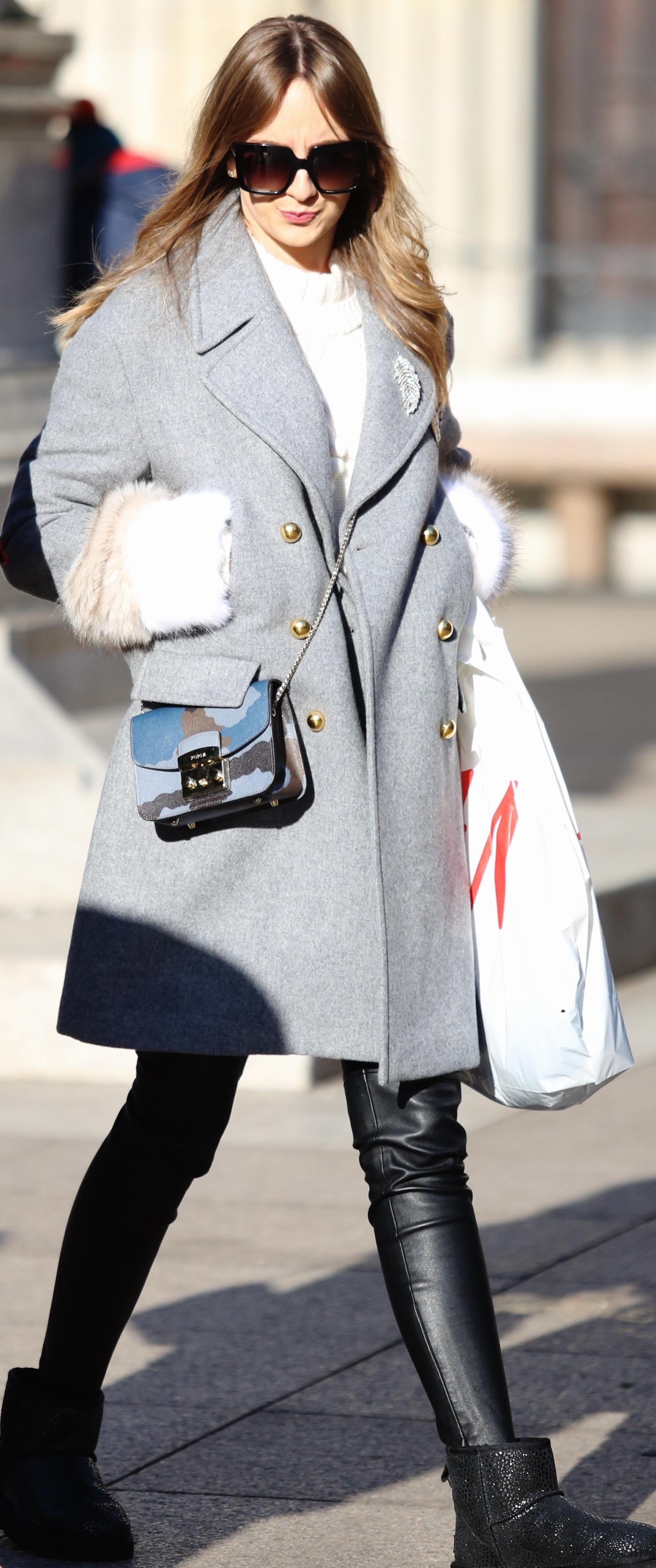 Ako ne znate što nositi ove zime, inspirirajte se zgodnom brinetom sa špice