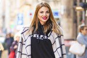 Lejla Filipović zna kako kombinirati nespojive komade: Lepršava suknja i hoodica joj stoje savršeno